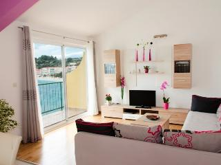 Apartment by the sea, Podgora