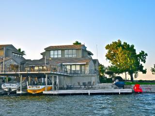 Horseshoe Bay Vacation Rentals