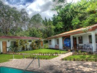 Nuevo Arenal - Tropical Lake Luxury Living!