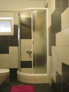 velika kupaona s tušem
