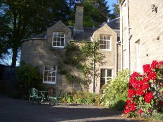 Moulinalmond Cottage - an idyllic, private rural setting, yet 10 mins from Perth, Almondbank