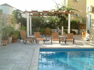Pool , Sun bathing and pergola