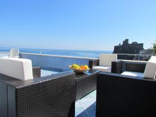 la terrazza sul mare, Aci Castello
