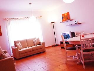 APARTMENT with POOL and PARKING +WI-FI + 2MBT-FARO, Faro