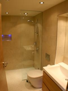 En-suite Wetroom in each bedroom
