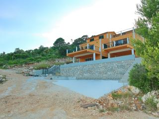 Villa Augusta Insula, Pasadur