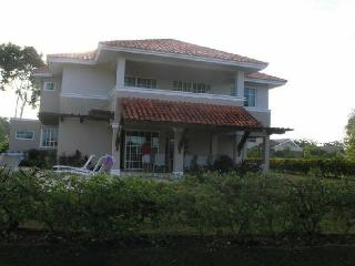 FABULOUS 3 BR VILLA ON GUAVABE