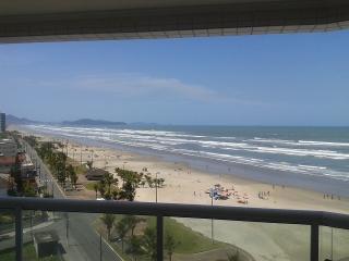 Apto Frente Mar Churrasqueira (Praia Grande - SP)