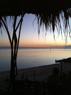 coucher du soleil au lagon plage face a la location