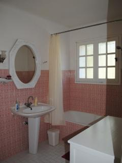 Bathroom of the 1rst floor