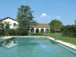 Wonderful apartment in villa with pool and park !, Abano Terme