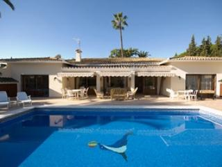 Marbella Large family villa with pool sleeps 8 - 12 people