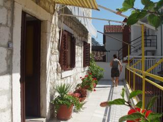Stone villa (Omiš center) - Apartment 2, Omis