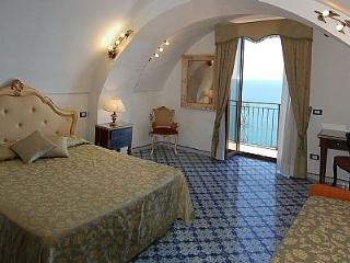 5 bedroom Villa in Amalfi, Campania, Italy : ref 5228473