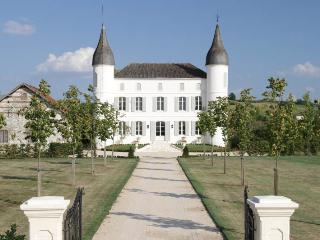 H102 Immaculate Chateau, Villeneuve-sur-Lot