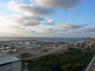 BREEZE, Ashkelon