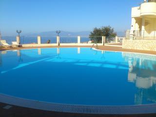 Pizzo Penthouse Apartment/Napitia Hills
