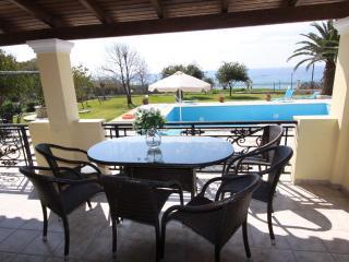 Skidi beach villa