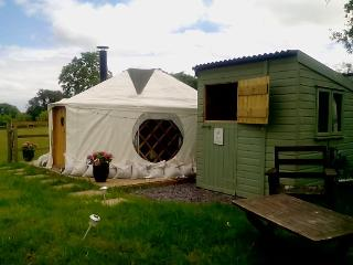 Acorn Yurt Romantic Glamping Herefordshire, Leominster