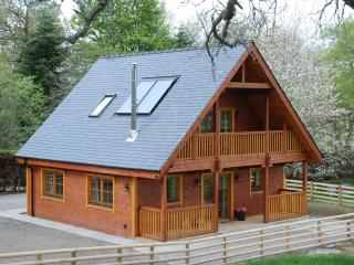 Holiday Log Cabin in Farr, Strathnairn, Inverness