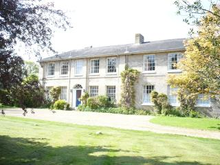 SPACIOUS  OLD RECTORY UP TO 12 BEDROOMS and12 BATHS