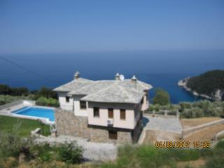 Sea View-Mountain Villa w/ Private Pool, Tsagkarada