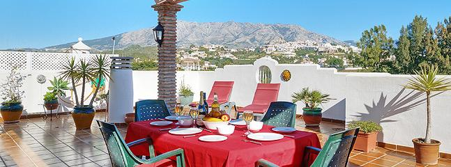 Roof Terrace With Barbecue & Stunning Views