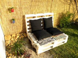 Cozy house w/ chill out garden, BBQ, great locatio, Puente Viesgo