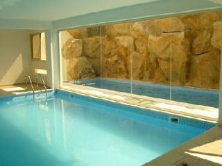 Vanessa Resort-luxury 2 bedroom apartment in lovely village setting