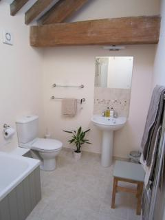 Ensuite bathroom with shower for bedroom 3