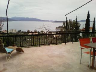 Villa-Tolo, Tolon