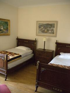 bedroom 3 two single beds