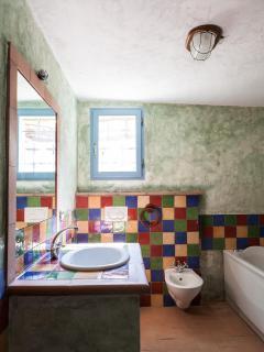 The capanna bathroom with jacuzzi