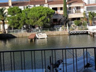 Empuriabrava , appartamento sul canale