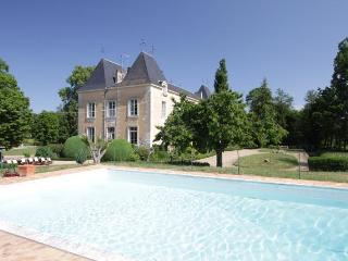 H118 Enchanting French Chateau, Riberac