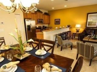 Fantastic 4 Bedroom 3 Bathroom Town Home with Private Pool. 3085BPR, Orlando