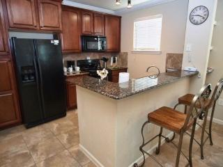 Lovely 3 Bedroom 3 Bathroom Condo in Bella Piazza. 907CP-924, Kissimmee