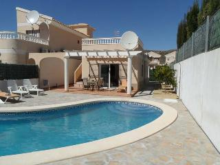 Villa Andalaura, private detached bungalow with private pool, airco, WIFI etc