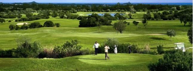 Is molas Golf: 5 minutes far by car