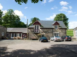 Newhill Granary, Glenfarg