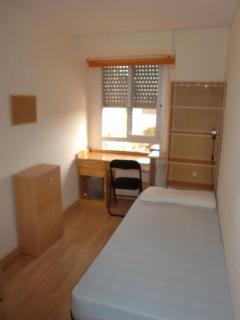 Dormitorio 1, opción: individual con cama de noventa,-