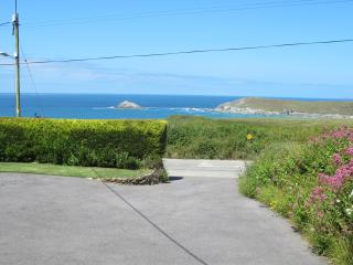 Crantock Bay House - stunning view of Crantock Bay