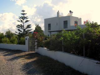 Seaside Villa, Gennadi