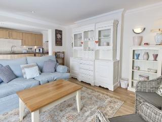 WINTER OFFER! Little Ships,ground floor apartment overlooking the Royal Harbour