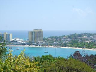 Columbus Heights Ocean View, Ocho Rios