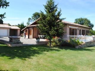 Maison independante avec grand jardin. Beaulieu