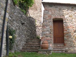 Casa ai Gelsi nel cuore del borgo medievale, Castelnuovo di Val di Cecina