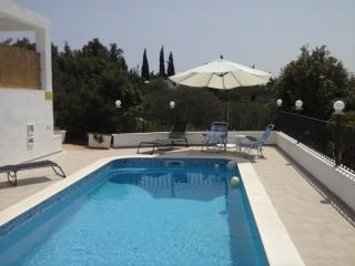 Apartment with pool, Vela Luka