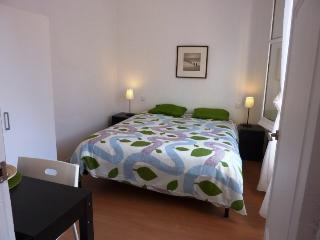 Apartment near Ramblas & Beach, Barcelona