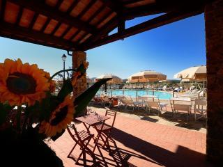 ANTICO BORGO CASALAPPI Vacation villa,pool,tennis, Campiglia Marittima